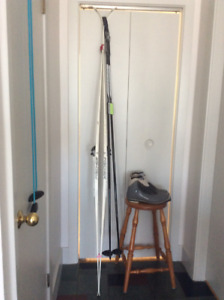 complete set of men's cross country skis