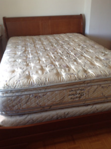 Queen Matress / Matelas Grand