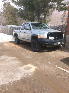 2006 Dodge Ram 1500 5.7L SLT TRX4 off-road