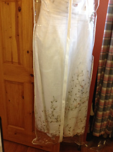 Wedding dress with shall and purse