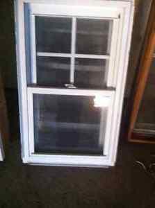 fenêtre coulissant (2) a guillotine en pvc (2)