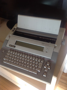 Retro electronic typewriter