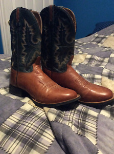 (Like New) Size 9 Cowboy Boots