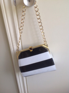 Jeanne Lottie black and white purse