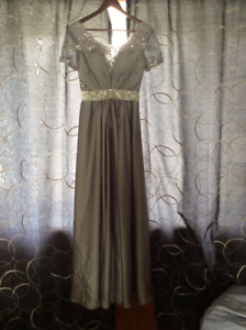 Prom dress size 6 gray colour with stones
