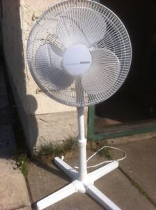 PEDISTAL AND TABLE FANS