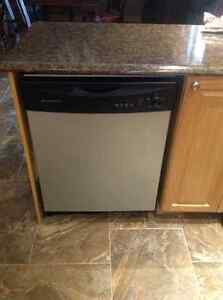Frigidaire glass top range and dishwasher Peterborough Peterborough Area image 2