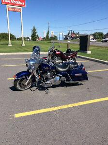 2006 Harley Road King FI Perle Blue Cruse Control