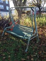 Outdoor love seat swing, 10$.