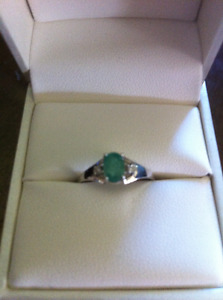 14 K EMERALD AND DIAMOND RING