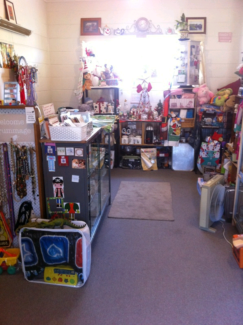Rummage in Midway Point - like a garage sale every day
