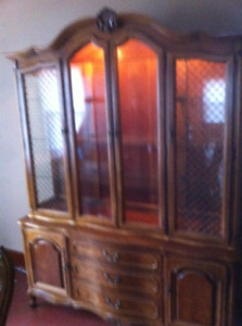 Dinning room table chairs matching buffet & hutch