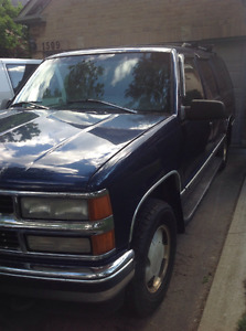 Must sell fast 1996 Chevrolet Suburban $1300., or make an offer.