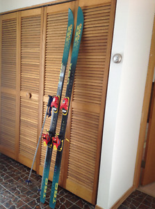 K2 Triaxial 690 Skis (78 inches) and Scott Poles (44inch) GUC