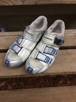 Shimano SH-R300 carbon soled size 44 bike shoes. Size 9.7 U.S