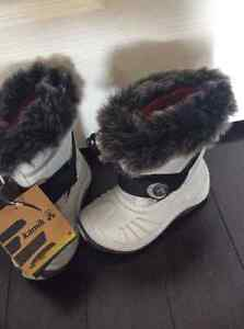 New with tags Kamik unisex toddler / kids winter boot size 8 Kitchener / Waterloo Kitchener Area image 1