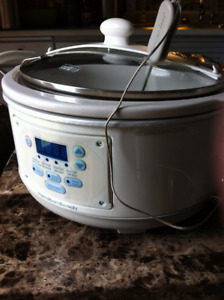 """Hamilton Beach """"Stay or Go"""" Slow Cooker with Temp Probe"""