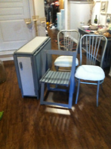 Double Drop-Leaf Table with 3 Folding & 2 Steel Chairs
