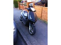 Peugeot vivacity 3 125cc moped (carbon wrapped)