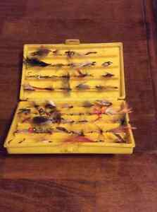 Collection Kit of Fly Fishing Flies - 65$