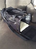 Sherpa delta delux pet carrier size medium in black
