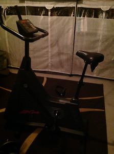 Life Fitness bike C3 serie upright comercial top of the line