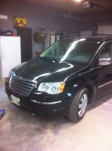Perfect Condition Chrysler Town And Country 2009