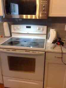 Whirlpool Electric Range with self cleaning Convection oven. Strathcona County Edmonton Area image 2