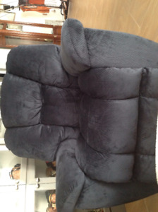 Large Lazyboy recliner chair