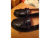 Slip on black ladies shoes, size 5, brand new.