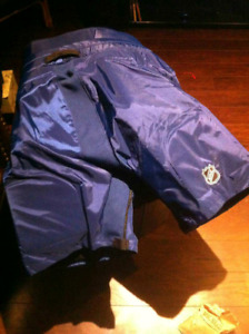 Official Toronto Maple Leafs hockey pants