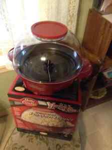Popcorn Popper by Betty Crocker