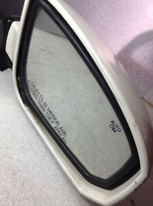 OEM 2004-2008 Nissan Maxima Side Power Mirror Heated White West Island Greater Montréal image 2