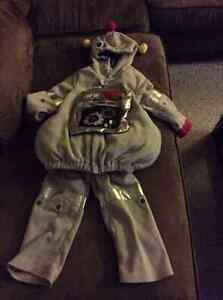 Old Navy Robot costume size 4T/5T Kitchener / Waterloo Kitchener Area image 1