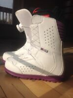 DC women's snowboard boots NEW !