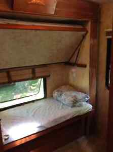 2010 333DB MONTANA HIGH COUNTRY BUNK HOUSE Windsor Region Ontario image 4