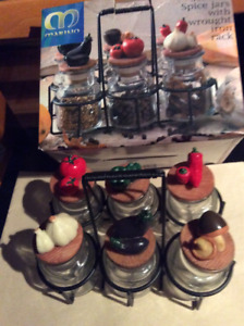 SET OF 6 SPICE JARS WITH WROUGHT IRON RACK/DIGITAL KITCHEN SCALE