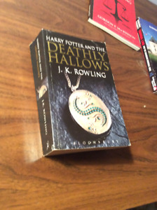 Harry Potter and the Deathly hollows Soft cover book