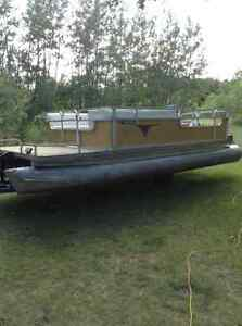 20ft Pontoon, 50hp Mercury and Scissor Trailer