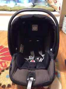 Peg Perego Infant Car Seat Kingston Kingston Area image 1