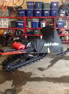 2016 Skidoo complete with riding gear