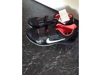 New Nike golf shoes, size 9, ( brand new )