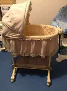"Bily ""Bah Bah Baby"" Bassinet with 2 matching sheets"