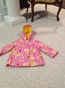 Toddler girl very cute rain coat in Mint condition size 2T
