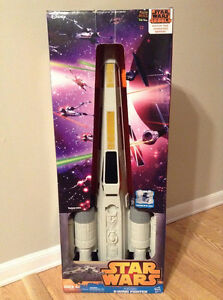 Star Wars Episode IV X-WING FIGHTER. Hero Series. Includes R2D2. Cambridge Kitchener Area image 1