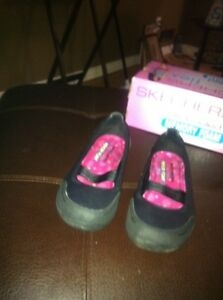 Brand BRAND NEW WOMANS  SKETCHERS FLEX still in the box
