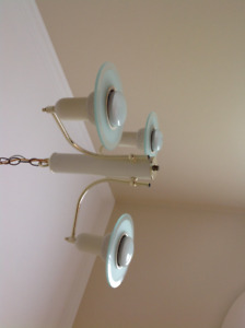 Great price for an entranceway & hallway light fixture
