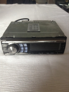 Alpine car radio/MP3/CD