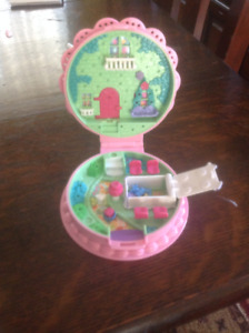 Vintage Polly Pocket Birthday Surprise 1994 & some accessories