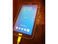 Samsung galaxy tab 3 8GB cracked screen